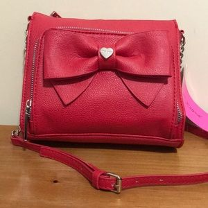 Betsey Johnson red bow bag❤️
